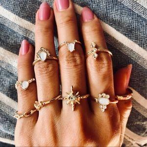 Brand New 8 rings set